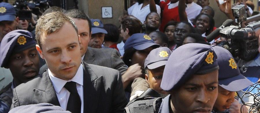 Prokuratura w RPA złożyła apelację od wyroku Oscara Pistoriusa. Niepełnosprawny atleta został skazany w ubiegłym roku na pięć lat pozbawienia wolności za nieumyślne spowodowanie śmierci modelki Reevy Steenkamp. Od piątku Pistorius ma odbywać karę w domu.
