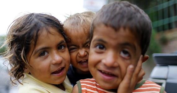 Władze Egiptu chcą w ciągu 15 lat ograniczyć liczbę urodzeń w tym ok. 90-milionowym obecnie kraju. Celem jest osiągnięcie współczynnika dzietności na poziomie 2,4 dziecka na kobietę, podczas gdy obecnie na jedną kobietę przypada średnio 3,5 dziecka.