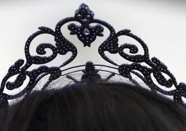 Pozowała nago, więc odebrali jej koronę Miss