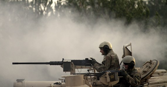 """Czołgi, pojazdy bojowe i broń dla 5 tysięcy żołnierzy jest gotowy wysłać Pentagon do krajów bałtyckich i wschodniej Europy. Sprzęt miałby trafić między innymi do Polski - donosi """"New York Times""""."""