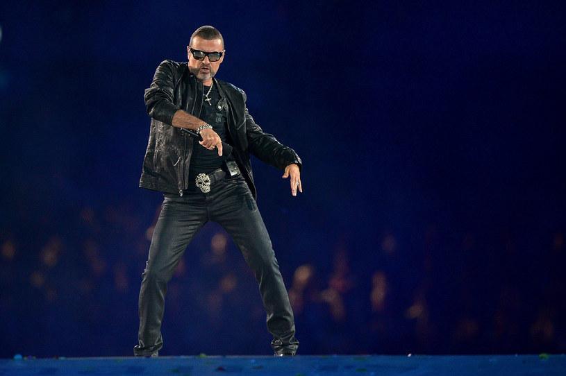 Szwajcarskie media donosiły ostatnio, że George Michael trafił na odwyk. Brytyjski wokalistka miał palić dziennie aż 25 skrętów.
