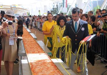 """Oto najdłuższa pizza na świecie. """"Dzieło szaleńców"""""""