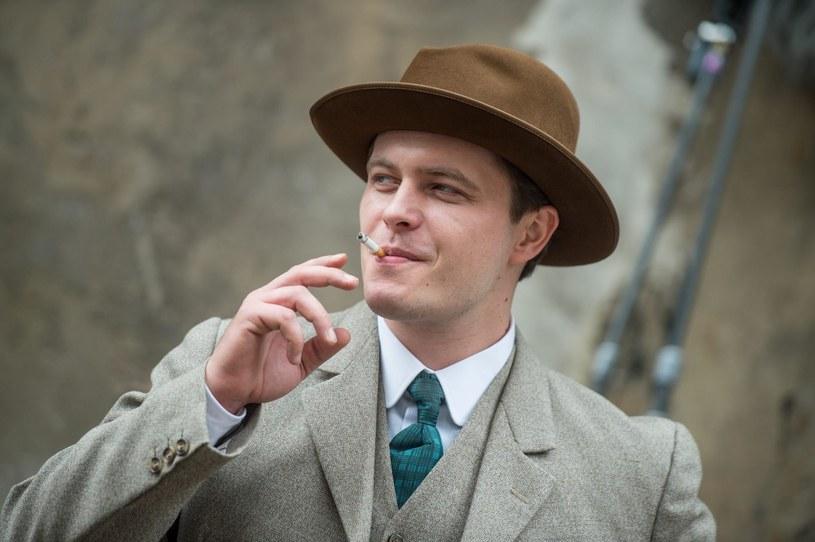 Tomasz Schuchardt wcieli się w realizowanym właśnie serialu TVP w postać przedwojennego amanta polskiego kina Eugeniusza Bodo. - Miał w sobie coś magnetycznego, co na pewno przyciągało kobiety - tak aktor charakteryzuje swego bohatera.