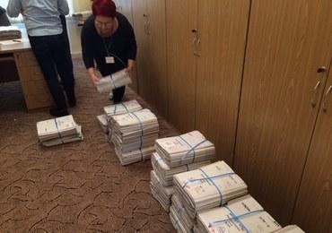 Afera Amber Gold. Prokuratura wynajęła ciężarówkę, by dostarczyć akta z Łodzi do Gdańska
