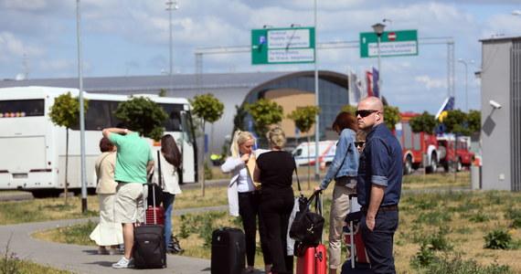 Tunezja od 2014 roku znajduje się na liście niebezpiecznych miejsc według Ministerstwa Spraw Zagranicznych. Resort przypomina na swojej stronie, gdzie jeszcze nie należy podróżować. Poza Tunezją wskazuje m.in. na inne, najpopularniejsze kierunki wakacyjnych wyjazdów Polaków.