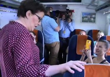 """""""Kolej na Ewę"""" - premier Kopacz w pociągu"""