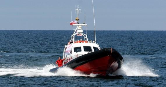 Do zmierzchu była prowadzona akcja poszukiwania dwóch nurków, którzy zaginęli w rejonie Helu. Mężczyźni mieli zejść do wraku statku Franken. Pomoc wezwał mężczyzna, który na ich wynurzenie czekał na łodzi.
