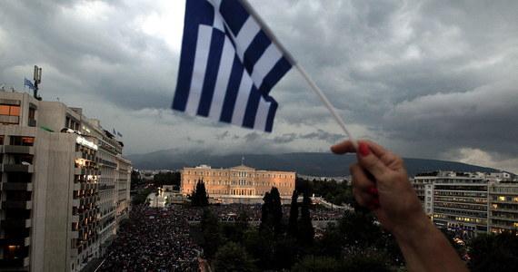 Grecja nie spłaciła do północy raty pożyczki należnej Międzynarodowemu Funduszowi Walutowemu i stała się pierwszym krajem uprzemysłowionym, który zalega z płatnościami w stosunku do Funduszu - potwierdził rzecznik tej instytucji. Jak zauważa agencja Reutera, niespłacona rata w wysokości blisko 1,6 mld euro to największa w historii MFW zaległość i oznacza niewypłacalność Grecji w stosunku do tej instytucji.