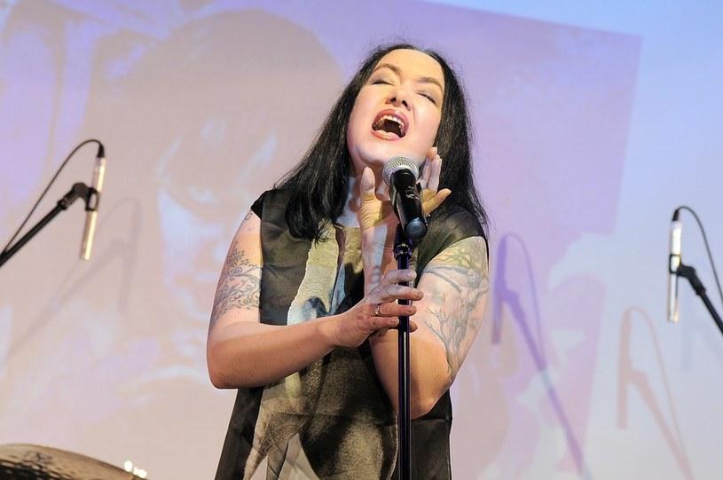 Dopiero w 2016 roku pojawi się solowy album Anji Orthodox, wokalistki i liderki grupy Closterkeller. Materiał różnić się będzie od dokonań jej macierzystej formacji.