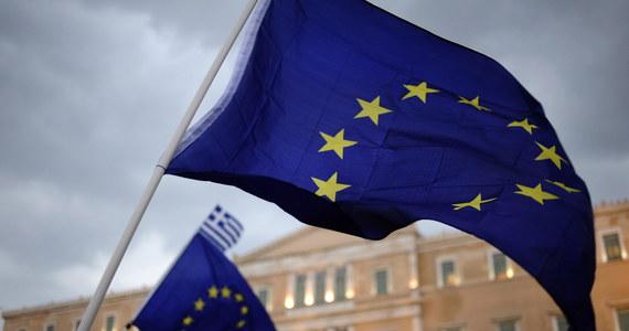 """Nie będzie dalszych rozmów w sprawie pomocy dla Grecji przed niedzielnym referendum. To decyzja eurogrupy po wieczornej telekonferencji ministrów finansów. Wcześniej niektórzy się jeszcze łudzili, że jeżeli stworzy się namiastkę rozmów, to premier Grecji odwoła niedzielne referendum. Jednak Aleksis Cipras ponownie zaapelował do Greków o głosowanie na """"nie""""."""