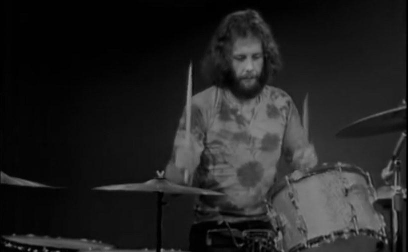 Brytyjski perkusista Bruce Rowland zmarł w poniedziałek (29 czerwca). Muzyk przegrał walkę z rakiem. Miał 74 lata.