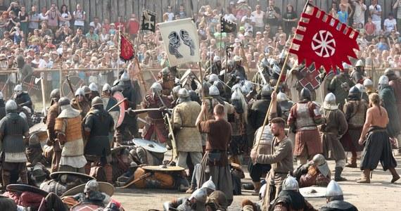 To tu miało się znajdować legendarne największe miasto Europy w czasach wczesnego średniowiecza. Losy Winety nie są pewne. Legendy głoszą, że została zdobyta i zniszczona, albo że spotkała ją boska kara – miasto zostało zatopione przez morze. Największa polska wyspa - Wolin - takich historii kryje co nie miara.