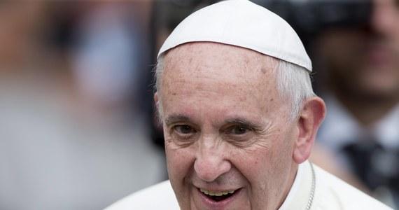 Franciszek wyruszył w pielgrzymkę do Ekwadoru, Boliwii i Paragwaju. Jak zauważają agencje, to będzie prawdziwy maraton dla 78-letniego papieża.  Czeka go 7 dni podróży, pięć mszy i 15 przemówień.