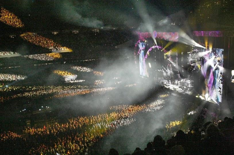 Po trzech finałowych koncertach w Chicago (ostatni odbył się w niedzielę 5 lipca) karierę oficjalnie zakończyła grupa Grateful Dead, legenda hippisowskiego rocka.