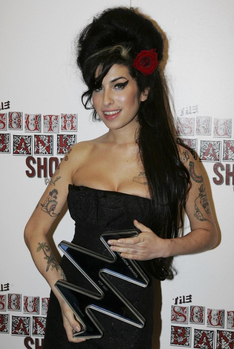 """Producent Mark Ronson, który pracował z Amy Winehouse, obejrzał dokument opowiadający o zmarłej wokalistce. Uznał go za """"ciężki do oglądania"""", ale jednocześnie pochwalił twórców filmu za przypomnienie publiczności, że Amy """"była geniuszem""""."""