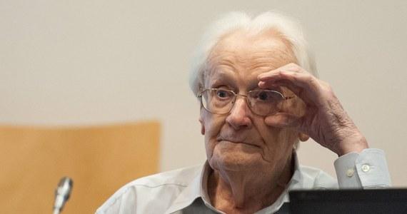 W procesie przeciwko byłemu strażnikowi z niemieckiego obozu Auschwitz-Birkenau prokurator zażądał kary trzech 3 lat i 6 miesięcy więzienia dla oskarżonego. Według prokuratury 94-letni były esesman winny jest pomocnictwa w zamordowaniu 300 tysięcy osób.