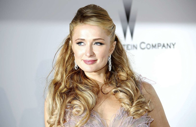 Paris Hilton będzie gościem Międzynarodowych Targów Mody, organizowanych w sierpniu w Ptak Fashion City w Rzgowie koło Łodzi. Słynna celebrytka i dziedziczka fortuny Hiltonów zapowiedziała swój udział w pokazach polskich projektantów na Fashion Week Poland.