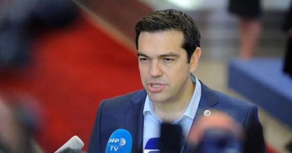 Nie będę uciekał od odpowiedzialności za tekst porozumienia z międzynarodowymi wierzycielami – zapewnił w rozmowie z państwową grecką telewizją ERT premier Grecji. Aleksis Cipras bronił przeprowadzonego w kraju referendum, mówiąc, że oddaliło ryzyko wyjścia z euro.