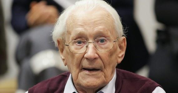 Oskar Groening - były strażnik z niemieckiego obozu zagłady Auschwitz-Birkenau - został skazany na karę czterech lat pozbawienia wolności. Sąd w Lueneburgu uznał w środę 94-letniego esesmana za winnego pomocnictwa w zamordowaniu co najmniej 300 tys. osób.