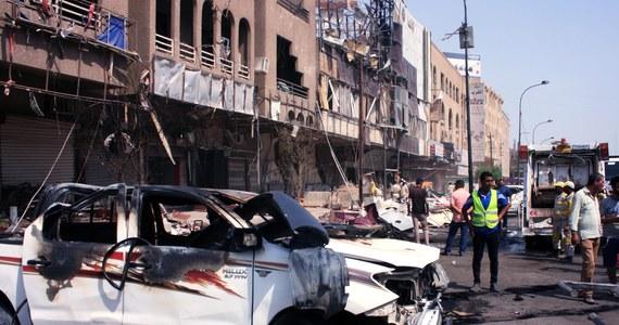 Co najmniej sto osób zginęło, a 50 zostało rannych w eksplozji samochodu pułapki na zatłoczonym targu w miejscowości Chan Bani Saad, na północny wschód od Bagdadu - poinformowała iracka policja. Wśród ofiar jest wiele dzieci.