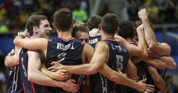 Polscy siatkarze przegrali z ekipą Amerykanów pojedynek o brązowy medal Ligi Światowej. Ulegli reprezentantom USA 0:3.