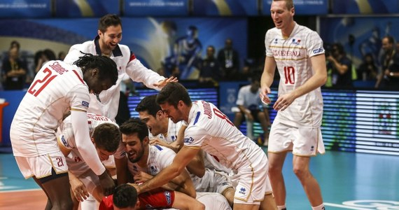 Siatkarze Francji po raz pierwszy w historii wygrali Ligę Światową. W finale w Rio de Janeiro pokonali Serbię 3:0 (25:19, 25:21, 25:23). W meczu o brązowy medal Polska przegrała z USA 0:3.