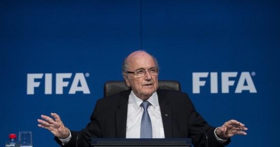 Międzynarodowa Federacja Piłki Nożnej podjęła decyzję, że wybory jej nowego szefa odbędą się 26 lutego 2016 roku. Według doniesień medialnych ubiegania się o reelekcję nie wyklucza obecny prezydent Joseph Blatter.