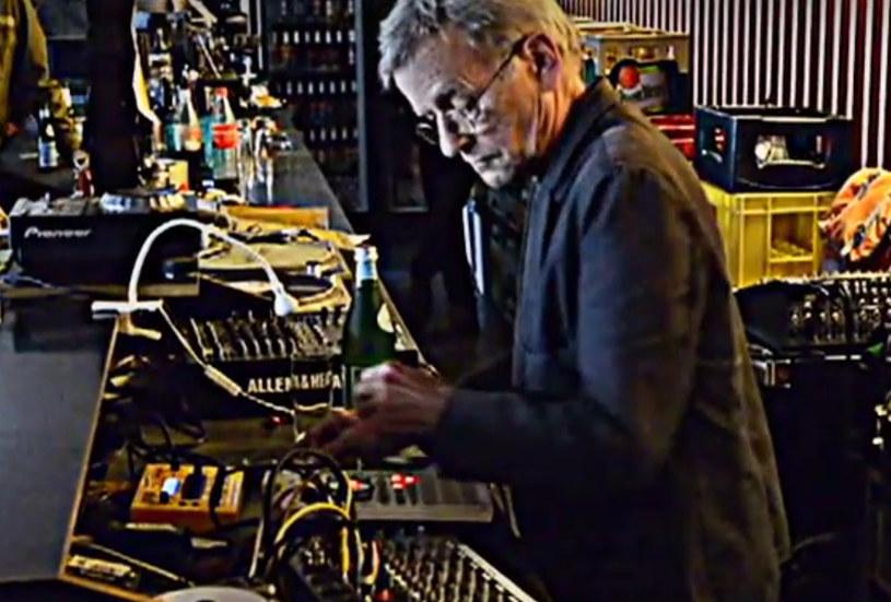 Szwajcarski twórca muzyki elektronicznej zmarł w poniedziałek 20 lipca w wieku 71 lat.