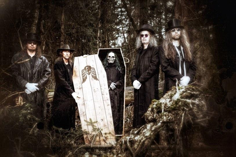 """Obchodząca w tym roku 35. urodziny, niemiecka grupa Grave Digger, przygotowała jubileuszowy materiał """"Exhumation - The Early Years""""."""