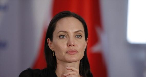 Angelina Jolie, aktorka, a ostatnio także reżyserka i producentka filmowa, nakręci kolejny film. Tym razem dla platformy internetowej Netflix o reżimie Czerwonych Khmerów w Kambodży, widzianym oczami dziecka.