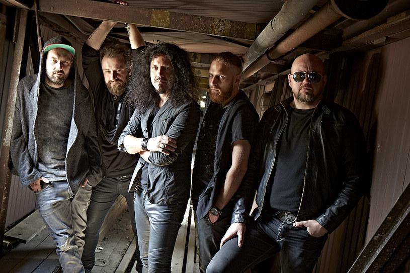 18 września ukaże się nowy album warszawskiej grupy Chemia, która ponownie współpracowała z producentem Mike'em Fraserem, mającym w dorobku nagrania dla Led Zeppelin, Metalliki, AC/DC czy Aerosmith.