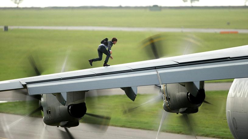 Ta scena z powodzeniem mogła powstać za pomocą komputerowych tricków, ale Tom Cruise zdecydował inaczej. Powstała na żywo...