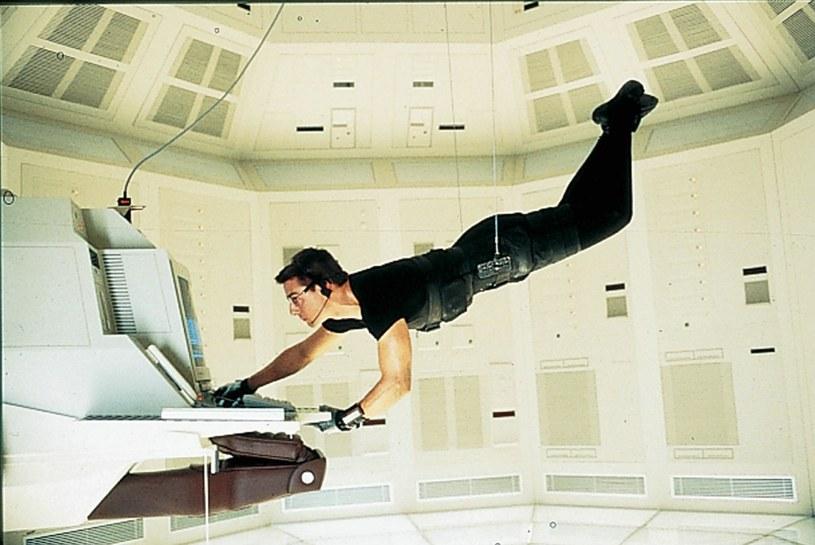 """Słynny czarny kostium, noszony przez Toma Cruise'a w filmie """"Mission: Impossible"""" (1996), został wystawiony na aukcję. We wrześniu dowiemy się, kto i za ile kupi ten strój."""