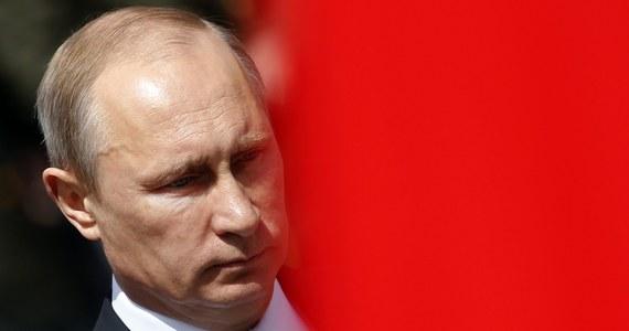 """Rosja nie interesuje się jeńcami. Zatrzymany na Ukrainie oficer wywiadu wojskowego GRU mówi opozycyjnej """"Nowej Gazecie"""", że nie może doczekać się pomocy konsula."""