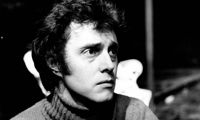 """Brytyjski aktor i reżyser Robin Phillips nie żyje. Artysta, znany z ról w produkcjach """"Opowieści z krypty"""", """"Doctor Who"""" czy """"Saga rodu Forsyte'ów"""", zmarł w wieku 75 lat."""