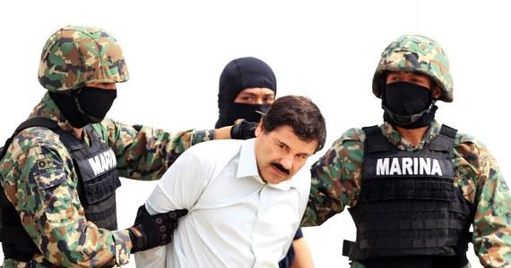 """Do 5 milionów dolarów można dostać za pomoc w ujęciu meksykańskiego bossa narkotykowego Joaquina """"El Chapo"""" Guzmana, który 11 lipca uciekł z więzienia. Informację o nagrodzie podał szef amerykańskiej agencji antynarkotykowej DEA  Chuck Rosenberg."""