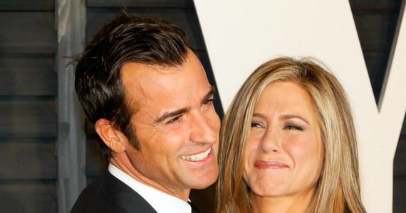 Jennifer Aniston i jej partner Justin Theroux pobrali się. O potajemnym ślubie piszą niemal wszystkie amerykańskie media.