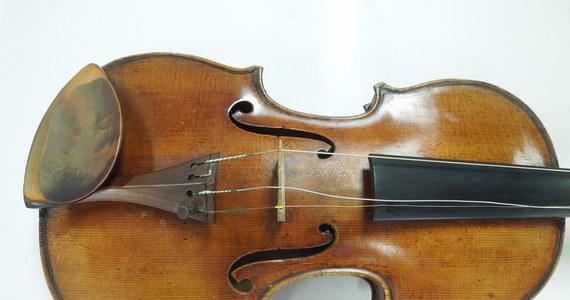 Stradivarius, którego ukradziono polsko-żydowskiemu skrzypkowi Romanowi Totenbergowi po koncercie w roku 1980 pod Bostonem, odnalazł się po 35 latach. Skrzypek jednak nie zobaczył już instrumentu. Zmarł w roku 2012 w wieku 101 lat.