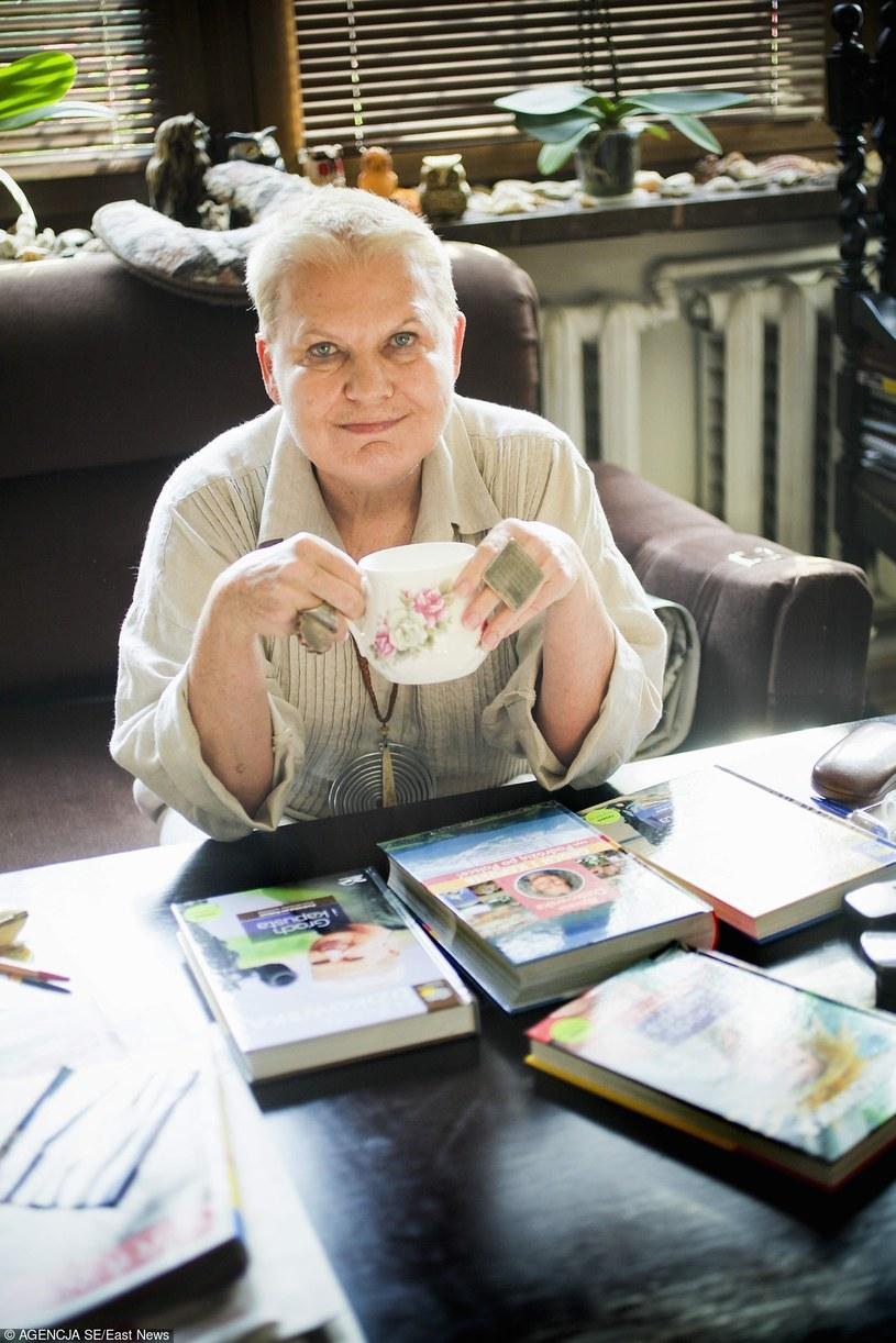 Kobieta renesansu: sinolog, historyk sztuki, podróżniczka, pisarka, fotograf. Mimo 78 lat żyje bardzo aktywnie.