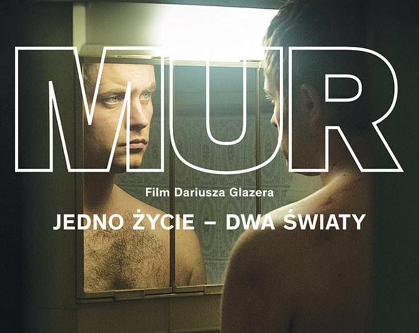 """Od 4 września w kinach będzie można oglądać """"Mur"""" Dariusza Glazera - historię spotkania współczesnych Romea i Julii w świecie strzeżonych osiedli, klasowych podziałów i murów, którymi bogaci odgradzają się od biednych. Producentem filmu jest Studio Munka działające przy Stowarzyszeniu Filmowców Polskich, a dystrybutorem - Alter Ego Pictures."""