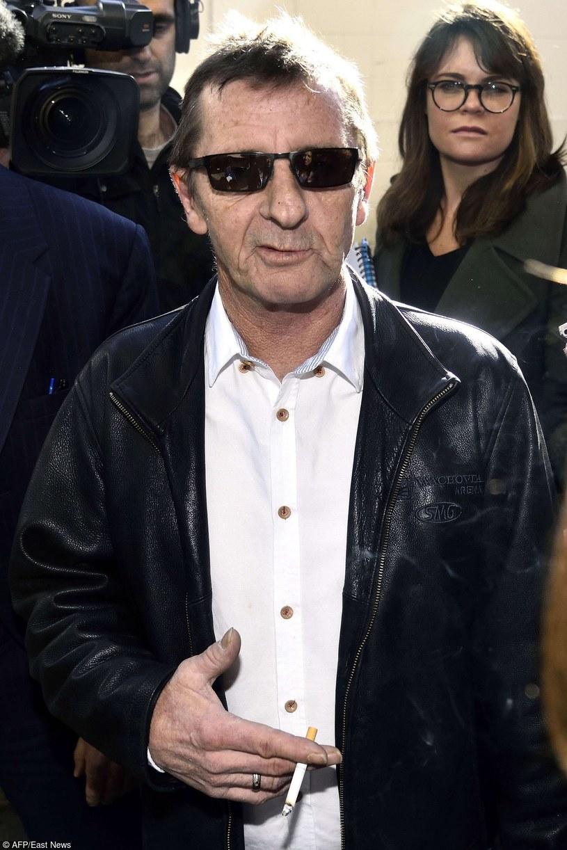 Skazany na osiem miesięcy aresztu domowego za posiadanie narkotyków i grożenie śmiercią perkusista Phil Rudd liczy na to, że po zakończeniu kary odzyska posadę perkusisty AC/DC.