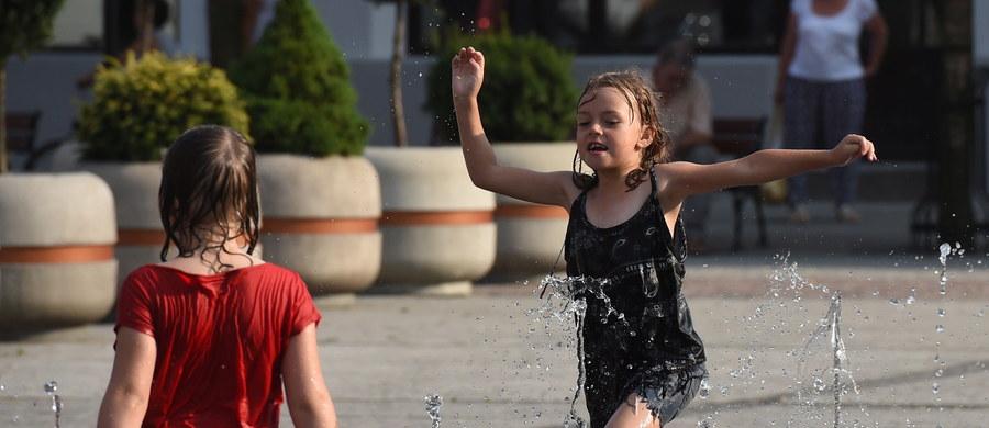 Niedziela będzie ostatnim dniem upałów. Od poniedziałku chłodniej: od 22 do 29 st. Celsjusza na zachodzie kraju - poinformowali przedstawiciele Instytutu Meteorologii i Gospodarki Wodnej.