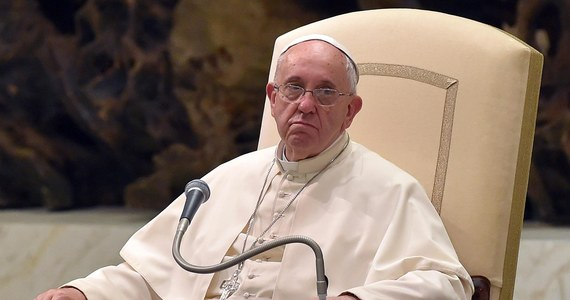 """Papież Franciszek wysłał depeszę gratulacyjną do prezydenta Andrzeja Dudy. """"W dniu, w którym obejmuje Pan urząd Prezydenta Rzeczypospolitej Polskiej, przesyłam serdeczne gratulacje i życzenia wszelkiej pomyślności"""" - napisał papież."""