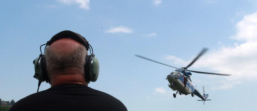 Akcja ratunkowa w Tatrach. Śmigłowiec TOPR-u poleciał po dwóch turystów, którzy postanowili nocą zdobyć Rysy.