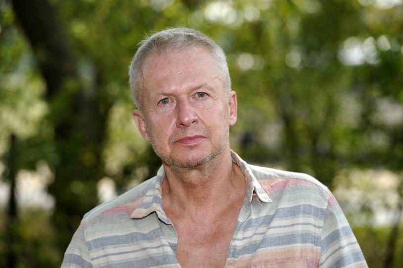 Od wczesnej młodości Bogusław Linda pływał łódką po polskich jeziorach. Najchętniej robił to samotnie. To właśnie podczas mazurskich wypraw nauczył się... gotować.
