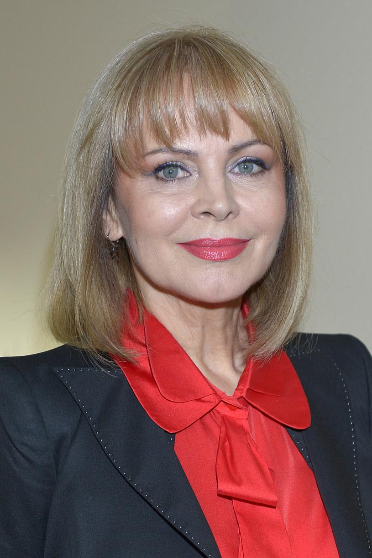 """Izabela Trojanowska powróciła na plan """"Klanu"""". Jej bohaterka, Monika Ross doczekała się powrotu syna - mówi aktorka. To już 18. sezon serialu."""