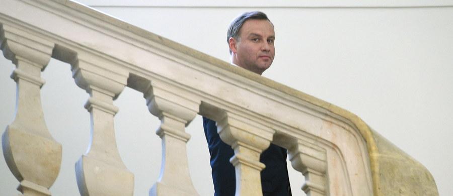 Prezydent Andrzej Duda ogłosi w czwartek wieczorem swoją decyzję ws. wniosku o rozszerzenie referendum. Zrobi to w specjalnym telewizyjnym wystąpieniu - poinformowała Kancelaria Prezydenta.
