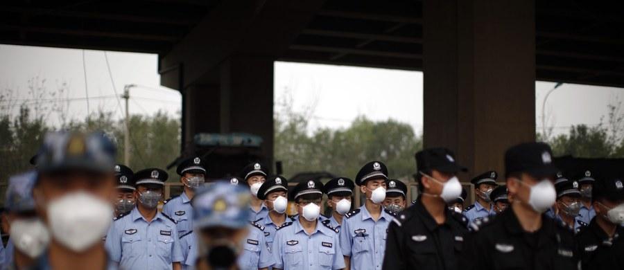 W pobliżu miejsca ogromnej eksplozji w Tiencin w Chinach z 12 sierpnia stwierdzono przekroczenie dopuszczalnego poziomu cyjanku nawet 356 razy. Informacje przekazały władze. Cyjanek jest silną trucizną.