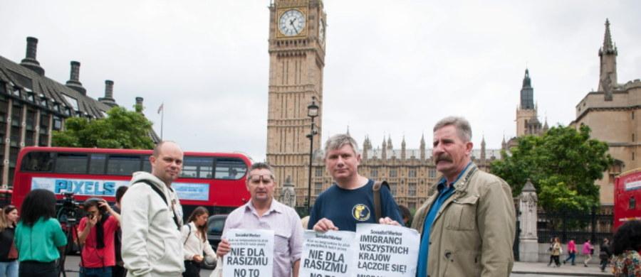 Zamiast strajku, żałosna szopka przed parlamentem. Tak - jak uważa korespondent RMF FM Bogdan Frymorgen - wyglądał protest zorganizowany w Londynie, który miał być wyrazem sprzeciwu wobec rzekomej dyskryminacji Polaków w Wielkiej Brytanii. Większy sukces odniosła zorganizowana akcja oddawanie krwi. Ale i ona spotkała się z głosami krytyki i to wśród samych Polaków.