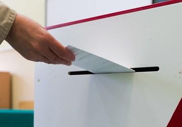 Zamieszanie z frekwencją w referendum. KBW zmienia zdanie